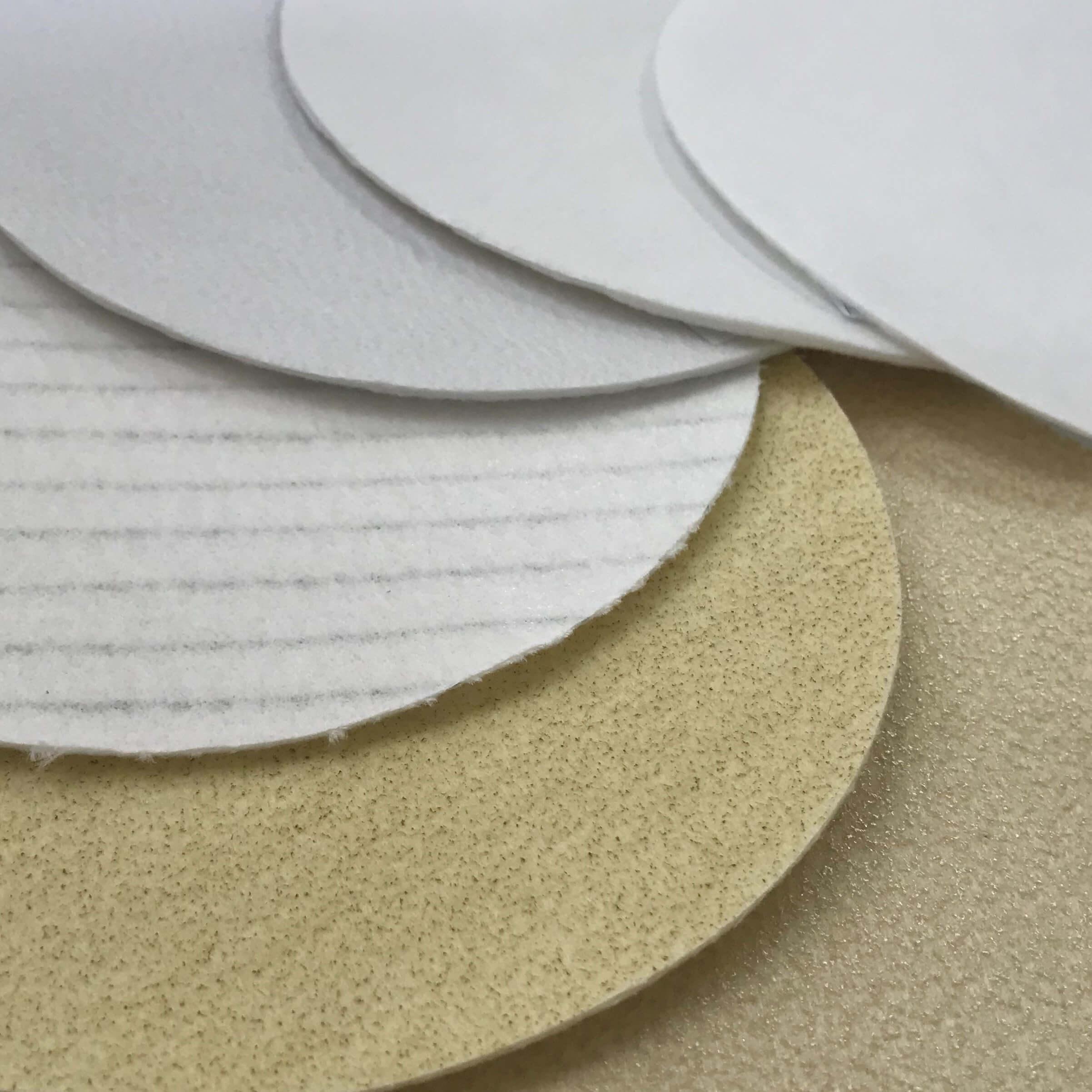 discos de feltro agulhado com variados acamamentos