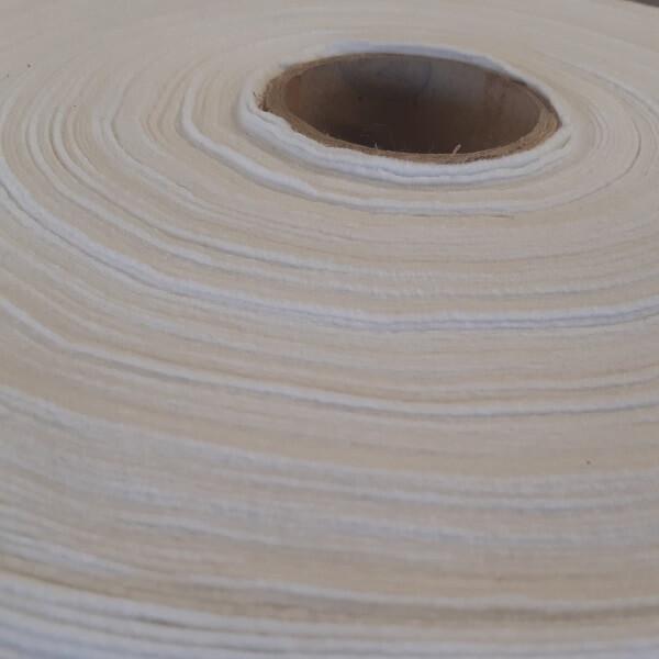 detalhe do rolo de manta geotêxtil