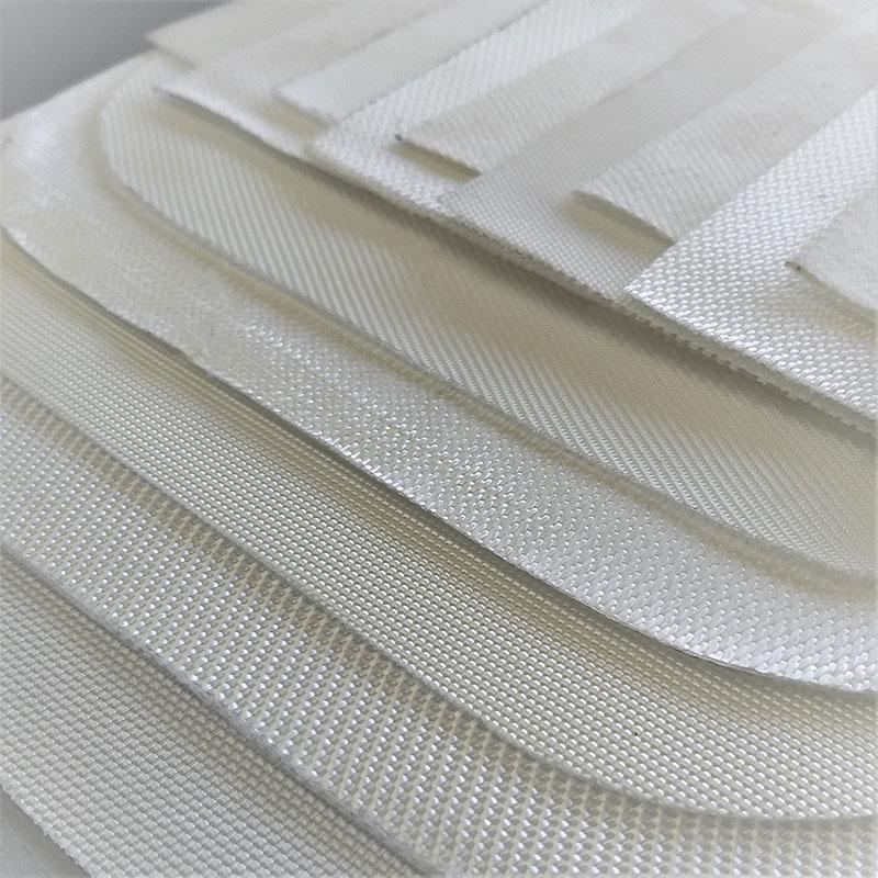 Vários elementos filtrantes utilizados na fabricação das caixas filtrantes para ETEs
